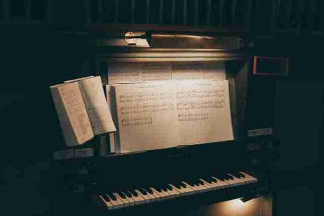 reviews of the best piano lamps for home