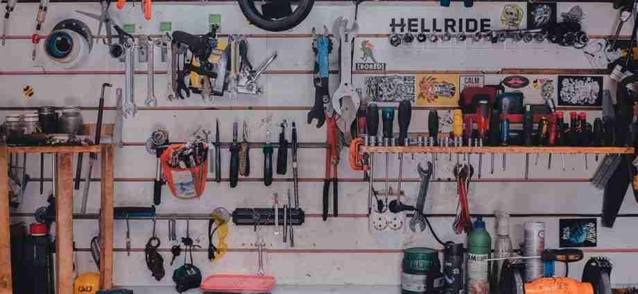 garage storage hooks featured image